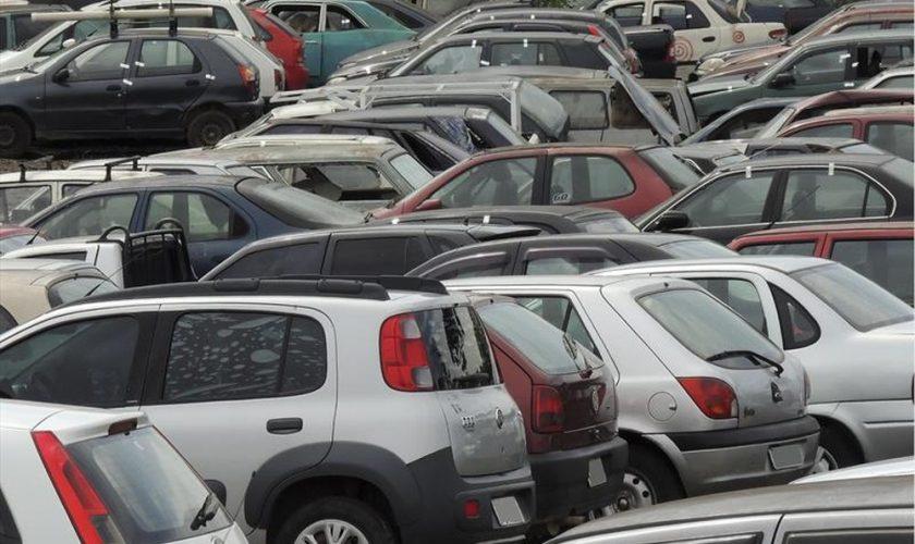 Detran realiza leilão de 981 veículos